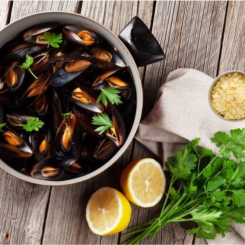 Mussels with Lemon Pyramid Salt