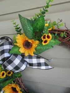 Sunflower grapevine wreath-LauraLouCrafted