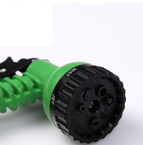 Close up of the nozzle attachment of the expandable garden hose