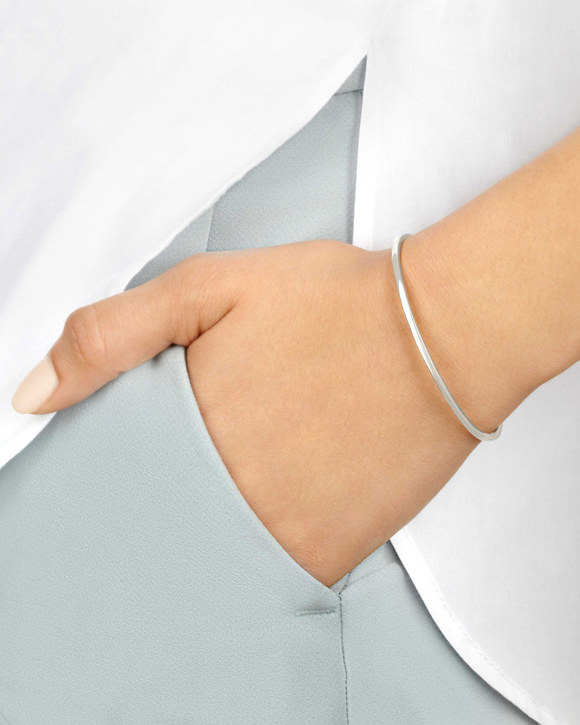 Women's Slim Cuff in White Gold with Black Diamonds