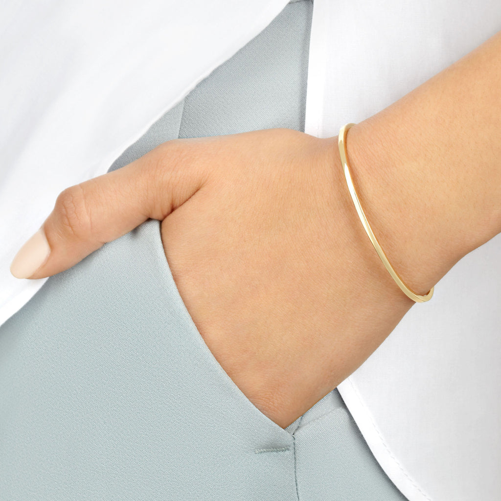 Women's Slim Cuff in Yellow Gold with White Diamonds