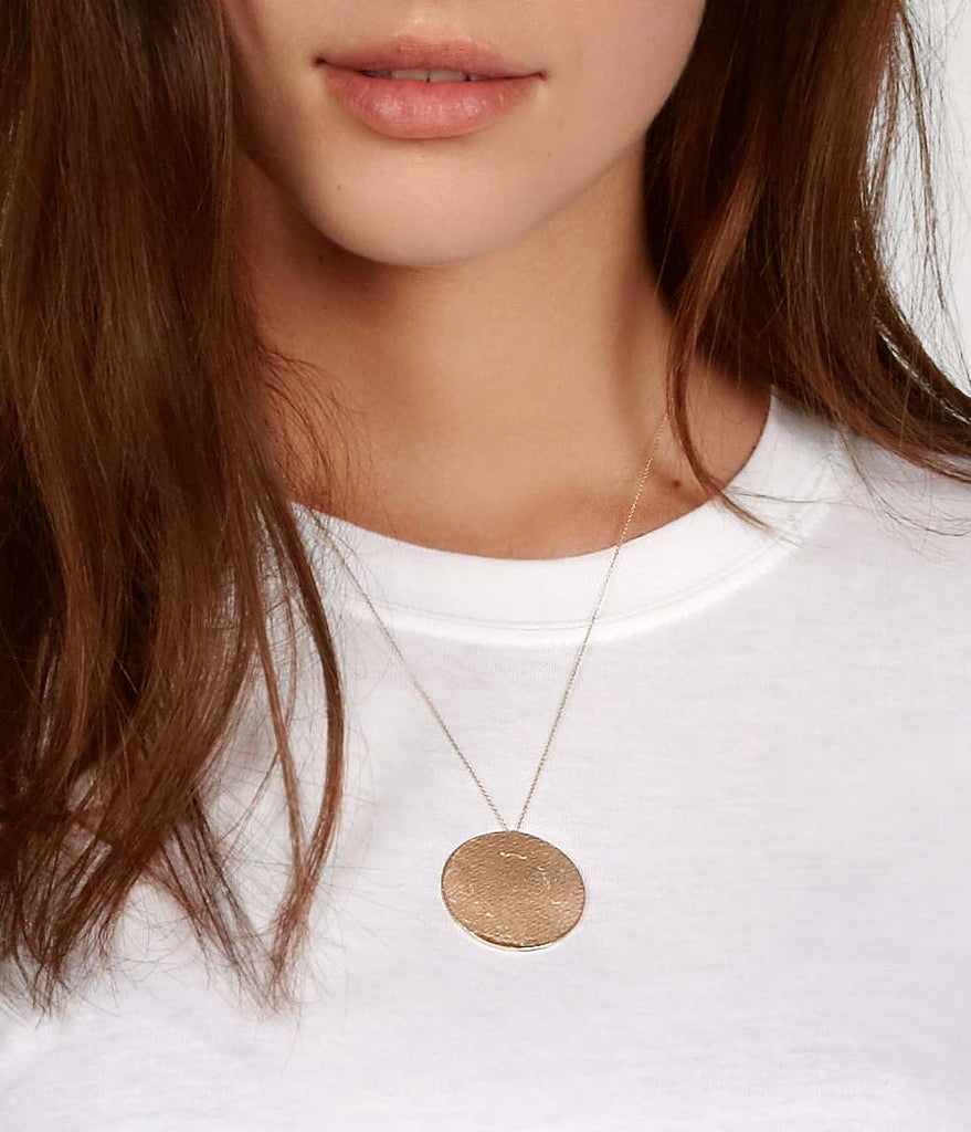 Paper Medallion Necklace in Yellow Gold