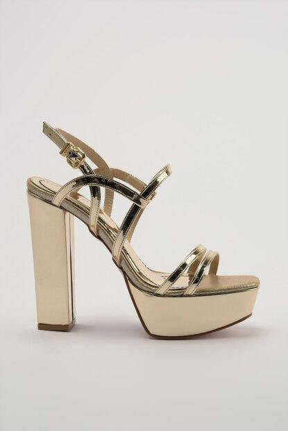 Women's Gold Classic Heeled Shoes