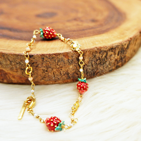 Small Strawberries and White Flowers Thin Bracelet