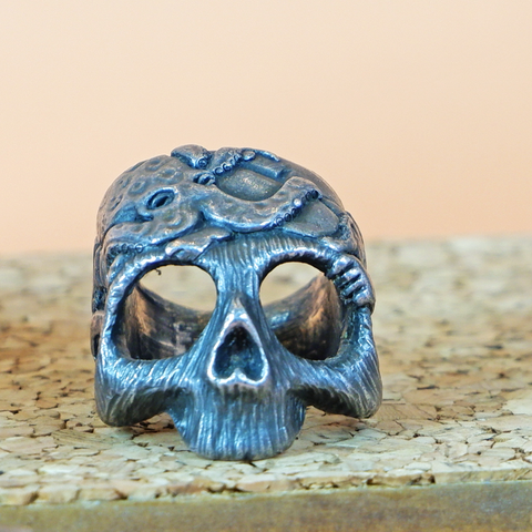 Fisherman's Wife II Skull Ring