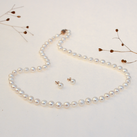 Classic Silk Threaded Pearls Set