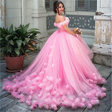 Load image into Gallery viewer, Princess Puffy Ball Gown Quinceanera Dresses 2019 Pink Tulle Masquerade Sweet 16 Dress Backless Prom Girls vestidos de 15 anos