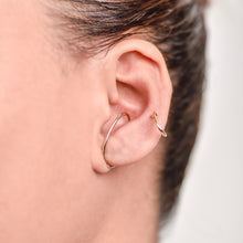 Load image into Gallery viewer, Etsuko Yellow Gold Earcuff