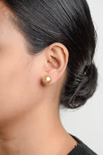 Load image into Gallery viewer, Pia Champagne Pearl Earrings