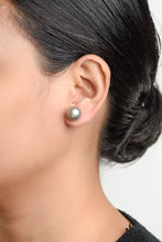 Load image into Gallery viewer, Pia Gray Pearl Earrings
