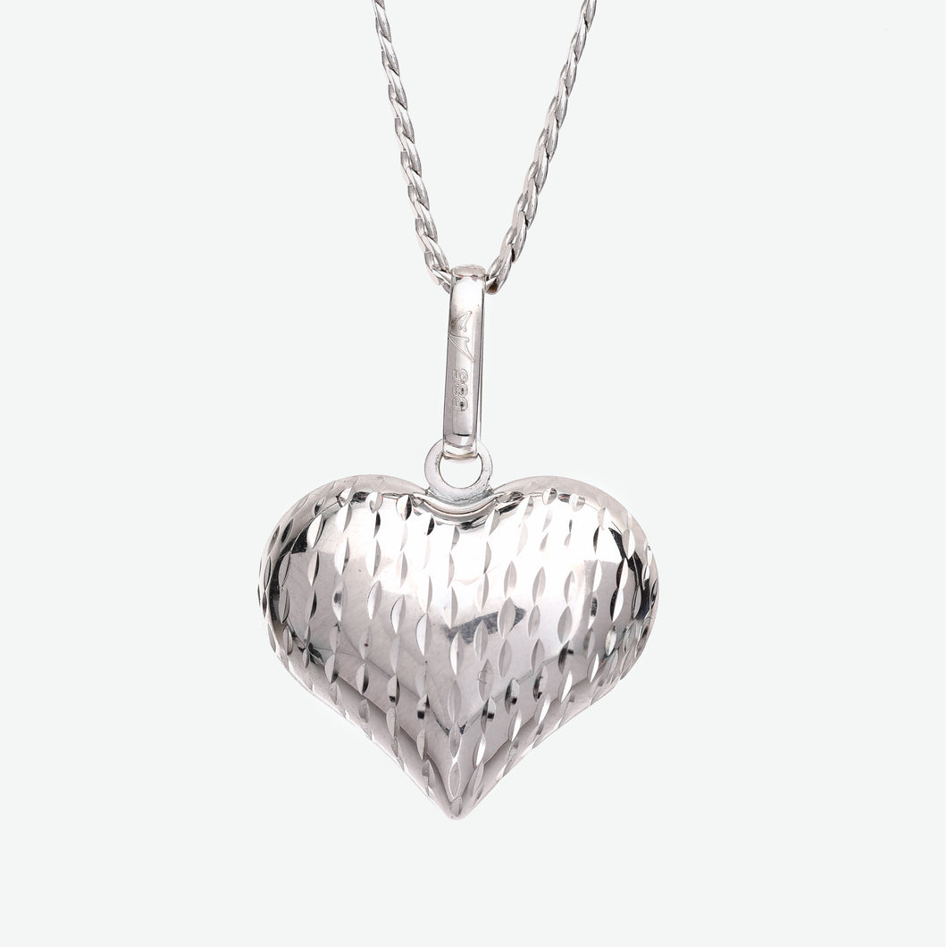 Millie Gold Heart Pendant