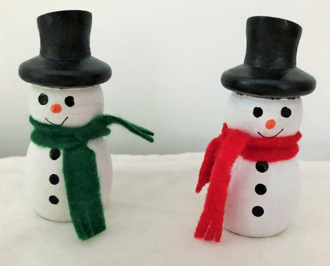 Snowmen with Colourful Scarves