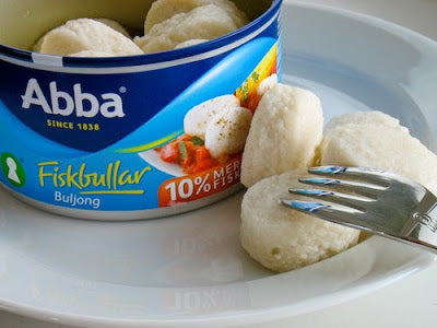 Fiskbullar i Buljong - Fish Dumplings in Broth