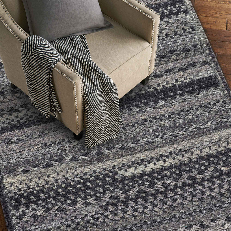 Bayview Metal Braided Rug Cross-Sewn Roomshot image