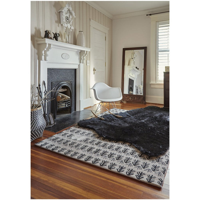 Sticks Raven Hand Tufted Rug Rectangle image