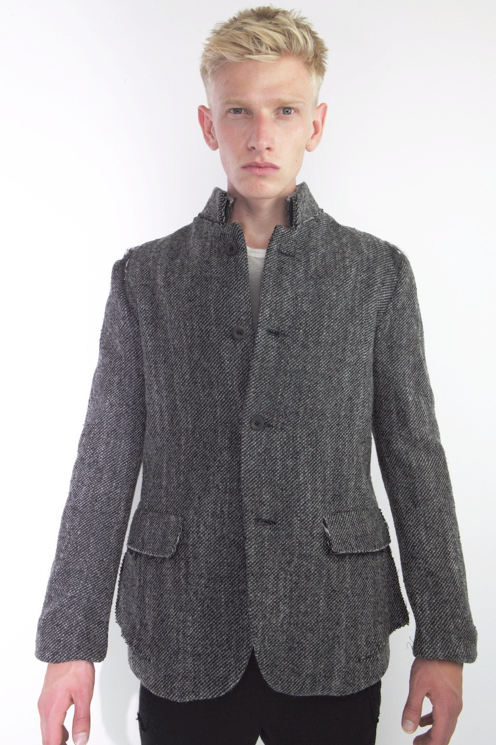 three button single breasted jacket