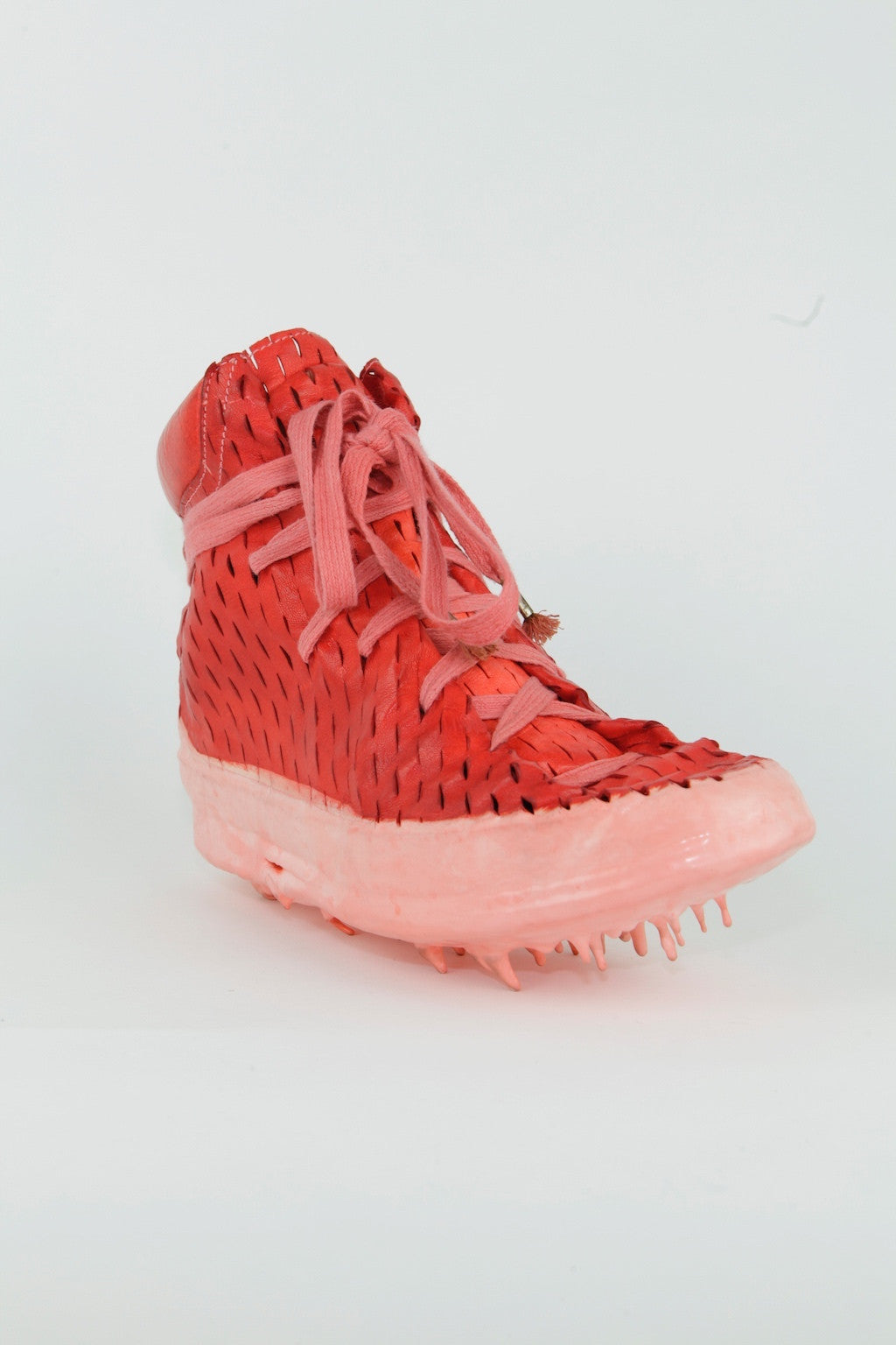 G.D. one piece laceable dripped sneakers