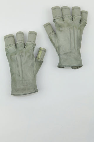 over dyed disparate finger cuff gloves