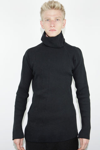 distortion turtle neck