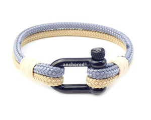 "Anchored Shackle ""Kapstadt"""