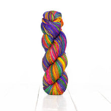 Load image into Gallery viewer, Anica Shawl Kit (Urth Yarns)