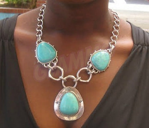 Classic stylish south-west Turquoise stone silver-plate detail necklace #st3091