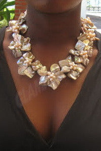 Cream mother-of-pearl necklace  #mop3017