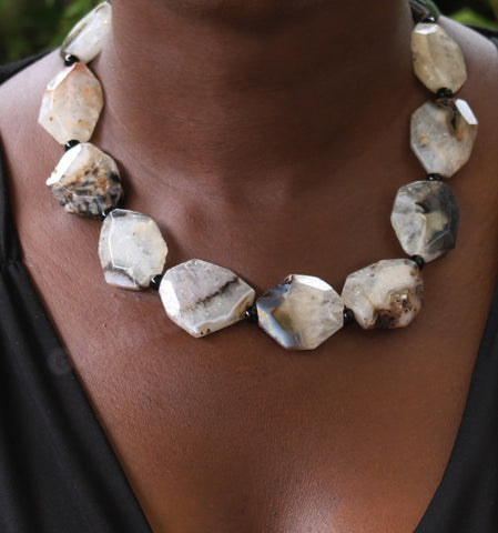 Black white Geode Agate necklace #st3065