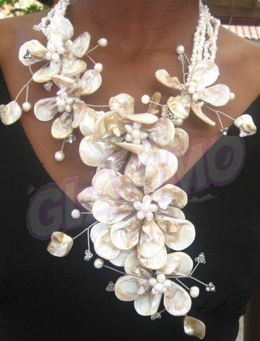Cream mother-of-pearl Y-shaped necklace #mop3031