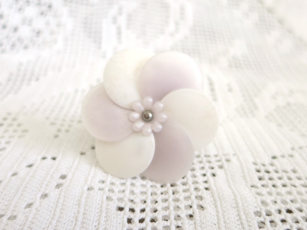 White and Mauve Flower Ring