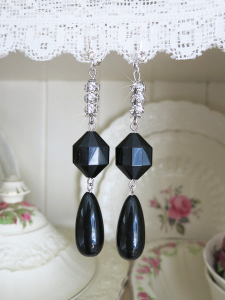 Black Teardrop Earrings With Rhinestones