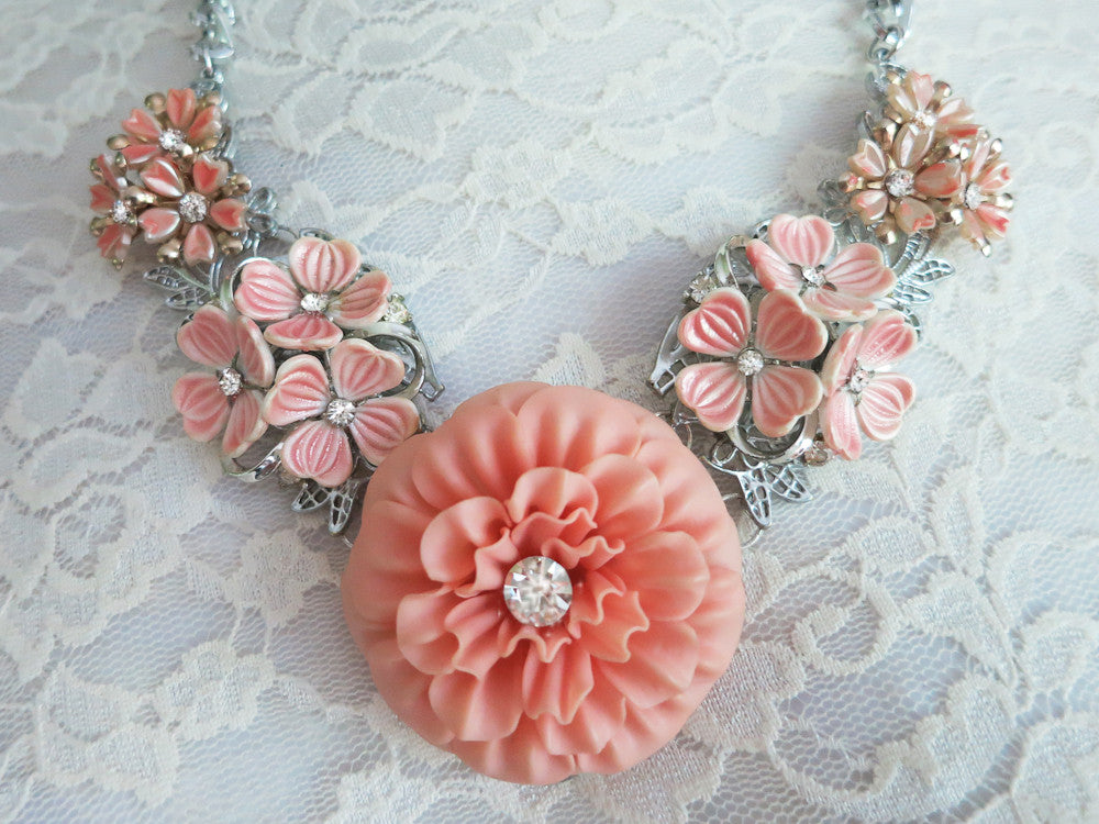 Pastel Peachy Flower Collar Necklace