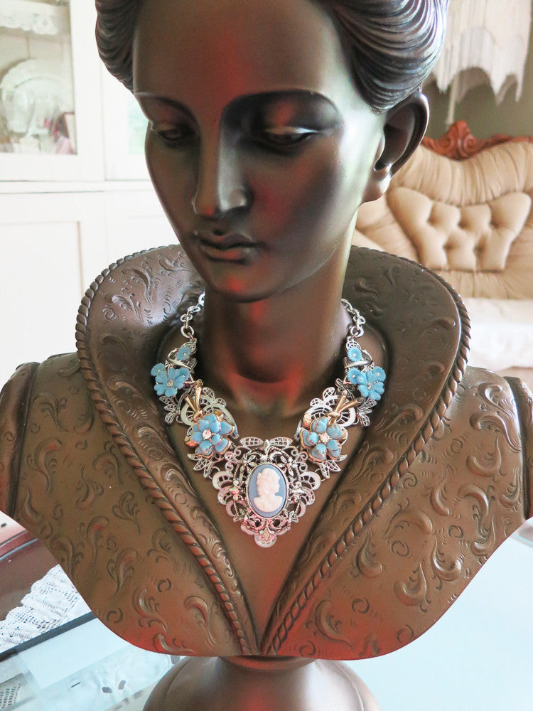 Blue Cameo Collar/Necklace