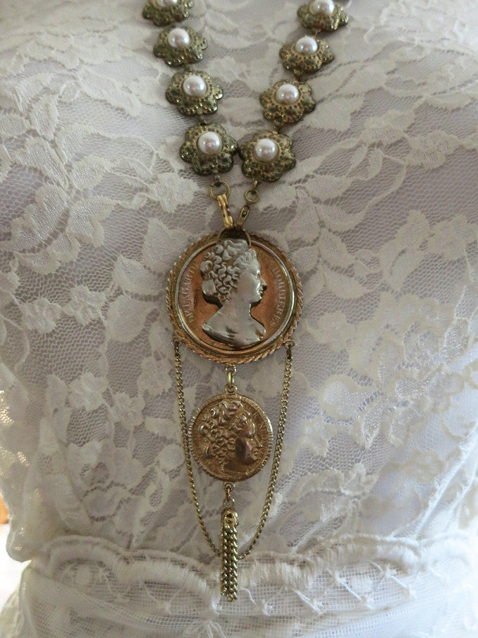 Queen Wilhelmina Necklace