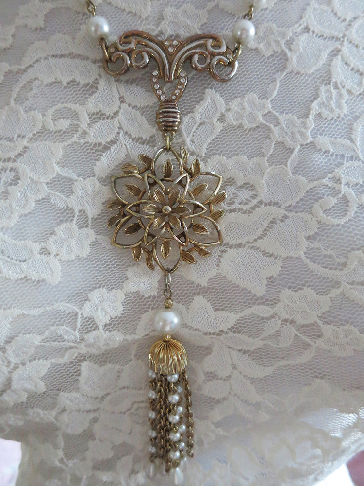 Elegant Pearl Necklace With Vintage Watch Fob