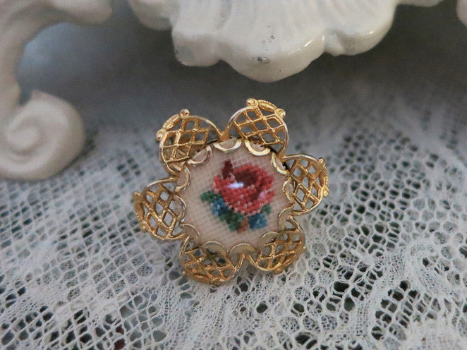 So Pretty Petit Point Filigree Collar/ Necklace