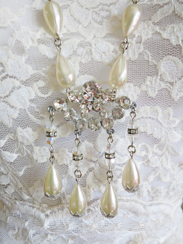 Irresistible Iridescent Teardrop Pearl Necklace