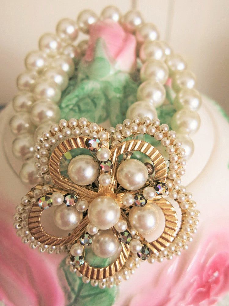 Pearl Bracelet with Beautiful Clasp
