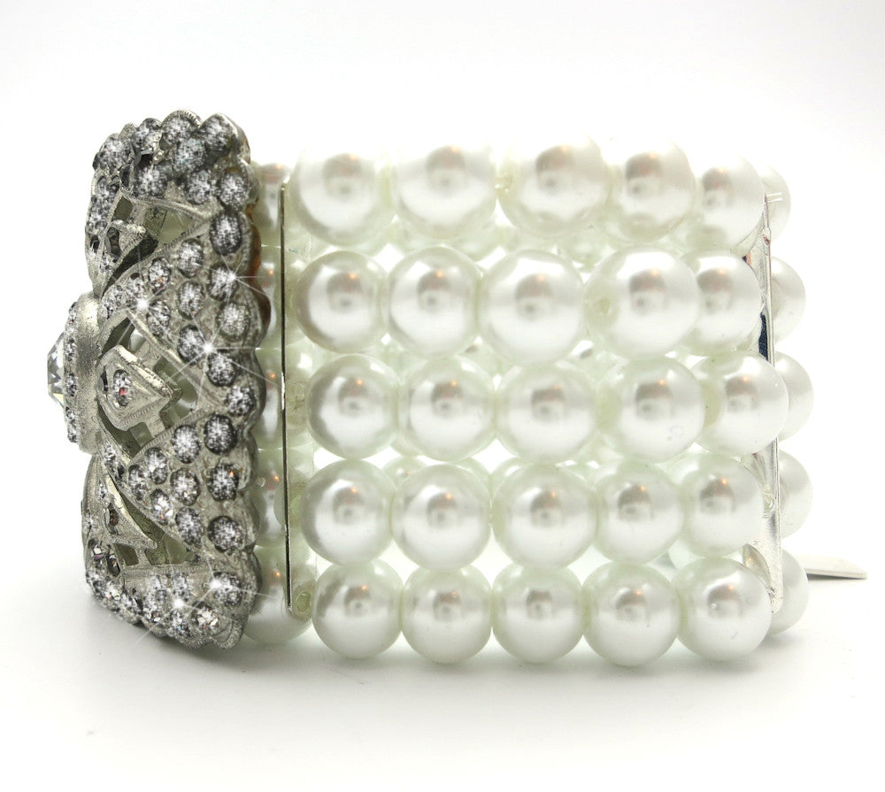 Rhinestone Buckle Bracelet With Pearls