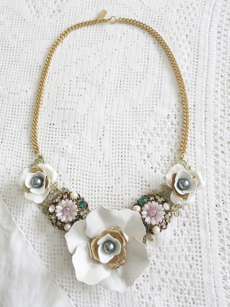 White Roses Statement Collar Necklace