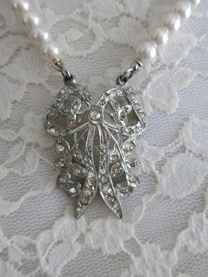 Art Deco Rhinestone Bow With Pearls Necklace