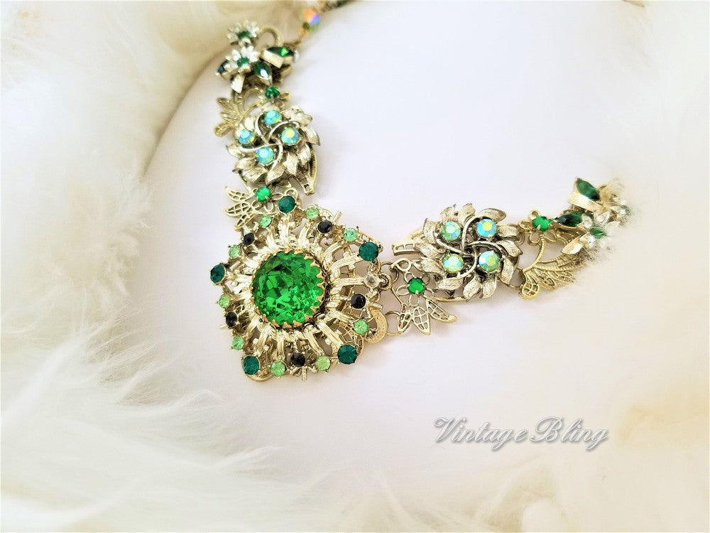 Glamorous Emerald Green Bib Style Necklace