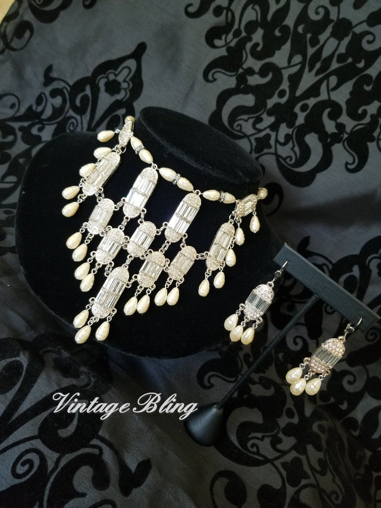 Cascading Pearls Statement Necklace