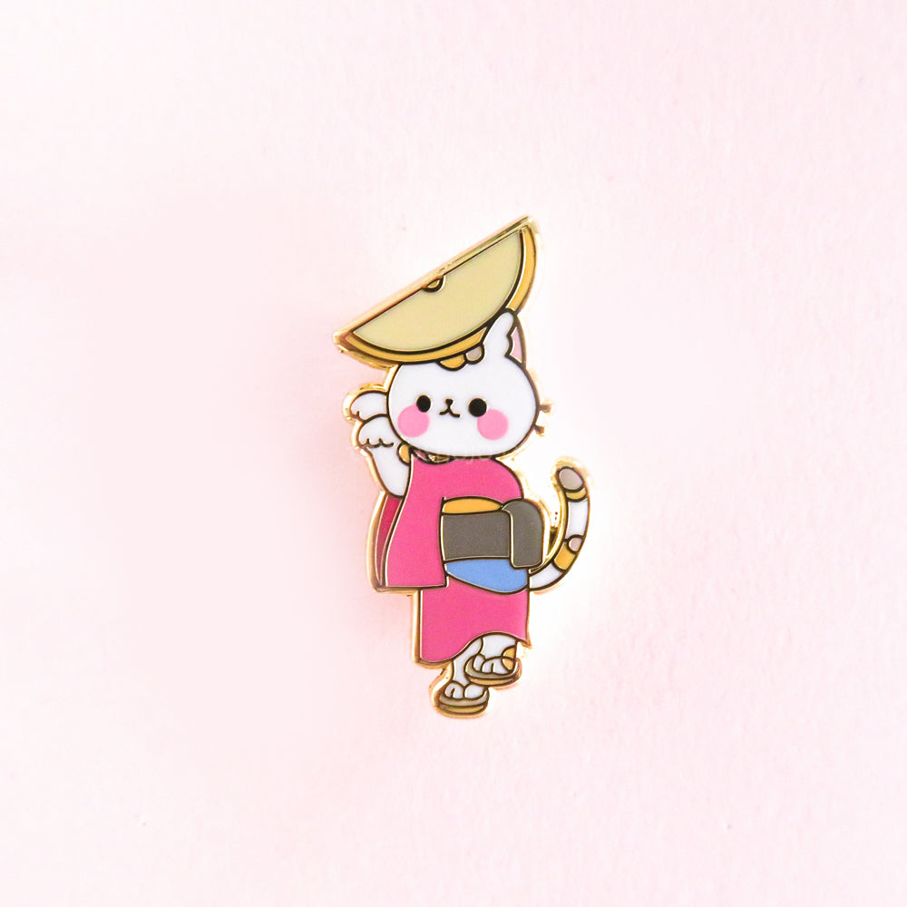Awaordori Cat Pin