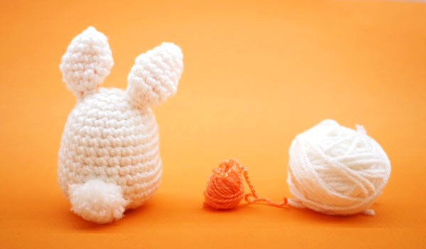 bunny butt with yarn
