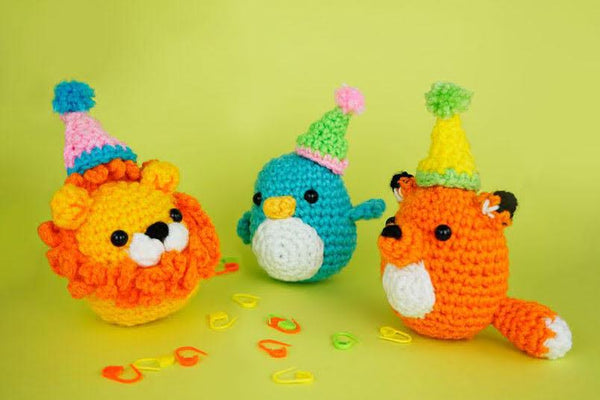 party hats on woobles