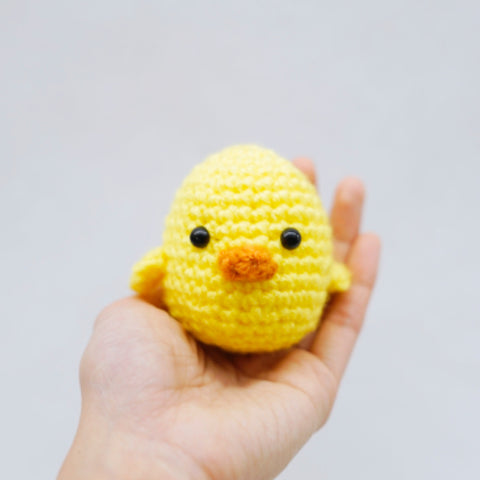 plastic eyes in chick amigurumi