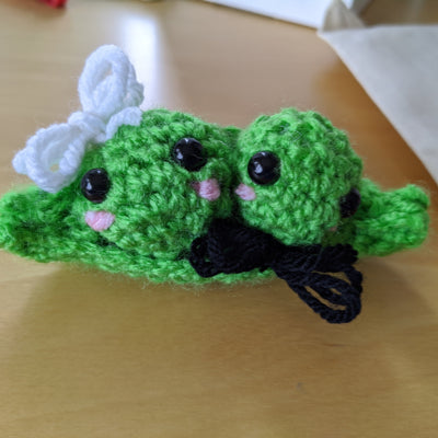 workshop participant's finished peas in a pod