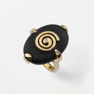 Rún Ring with Black Jet & Diamonds