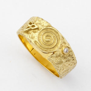 Hibernia Yellow Gold Ring with Diamond - Wide - Brian de Staic Celtic/Irish Jewelry